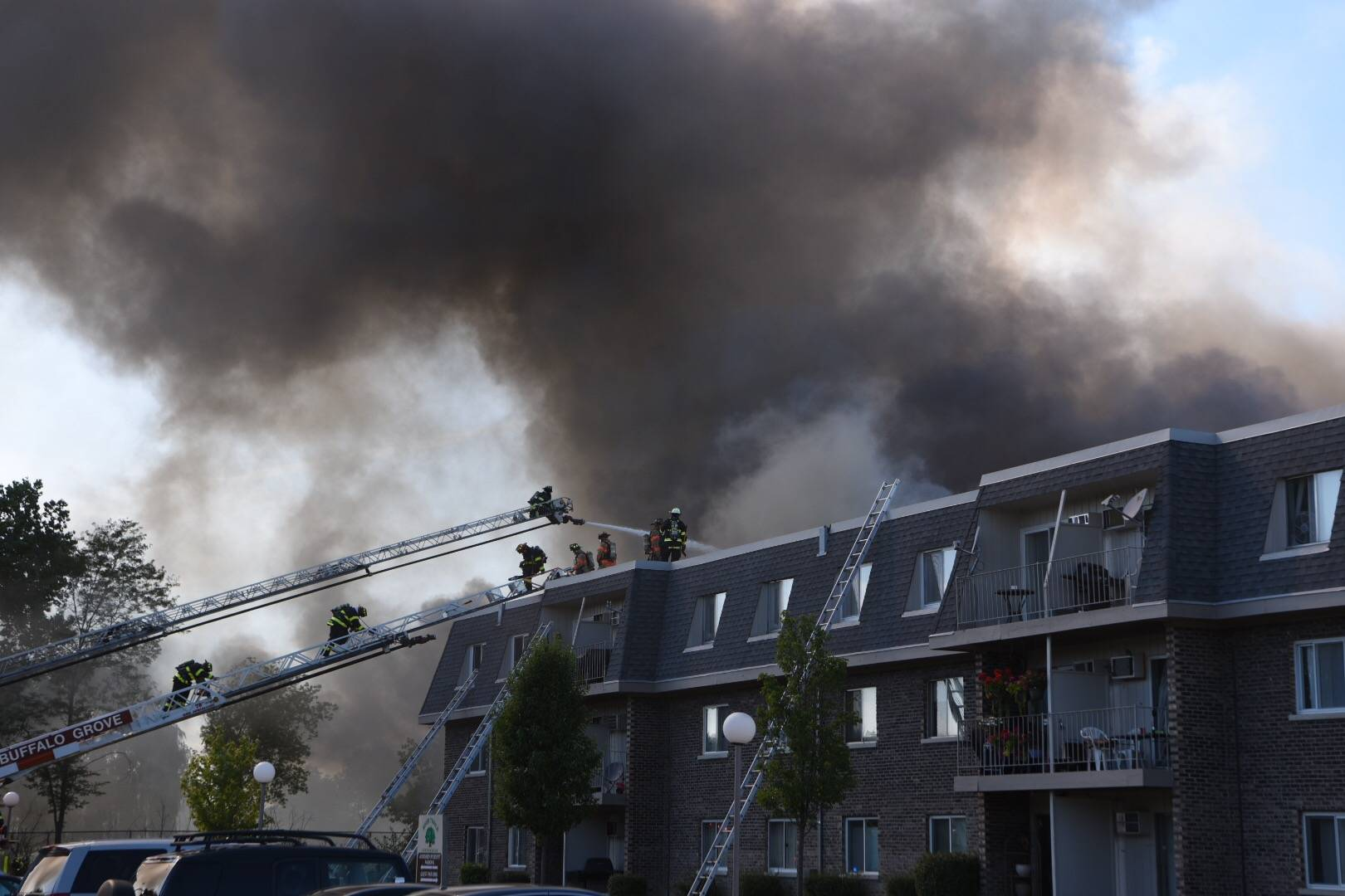 A five-alarm fire Wednesday at a Prospect Heights apartment complex kept about 150 firefighters busy for hours and displaced dozens of residents, officials said. There were three minor injuries reported.