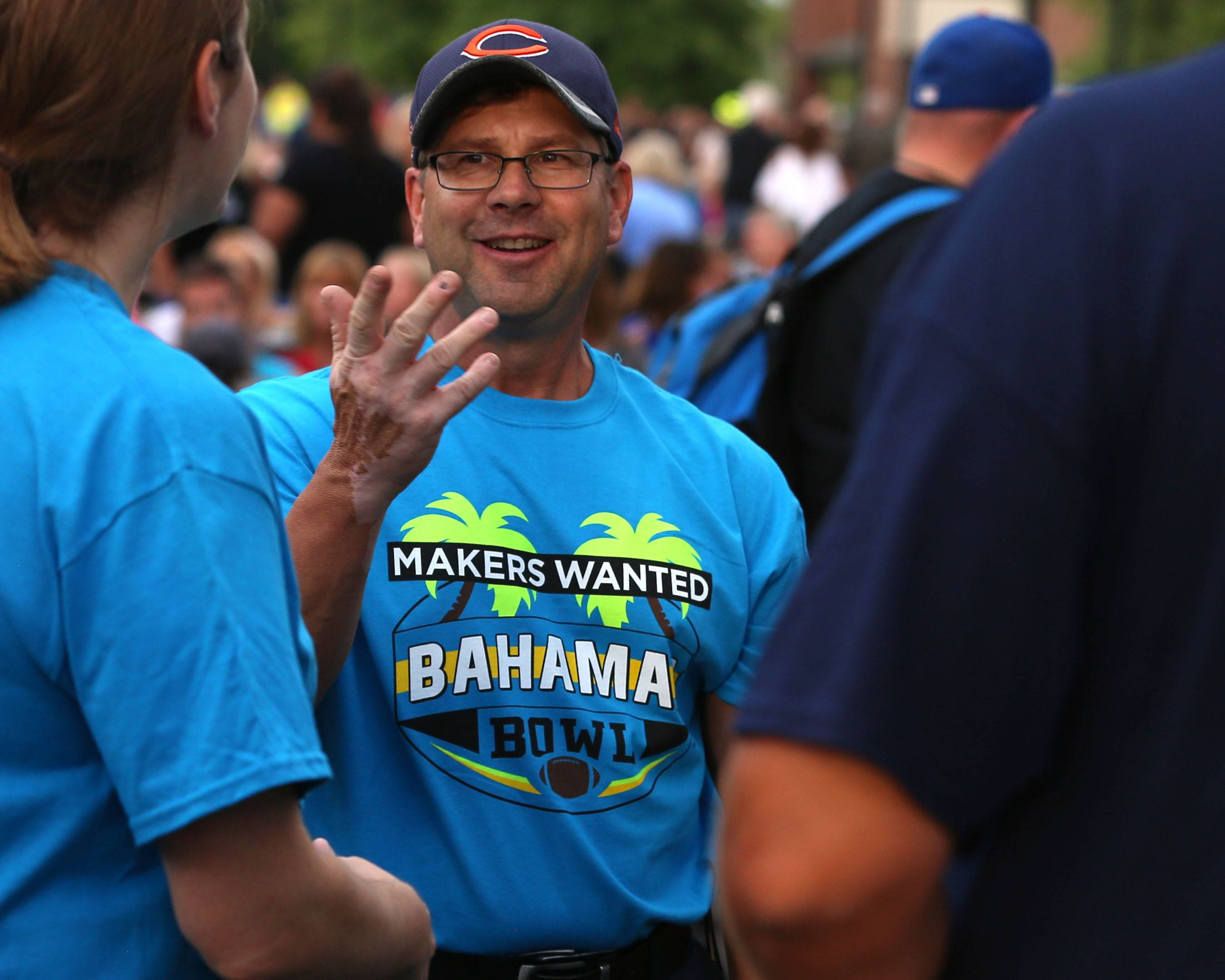 Elk Grove Village to be title sponsor of college bowl game -- in the Bahamas