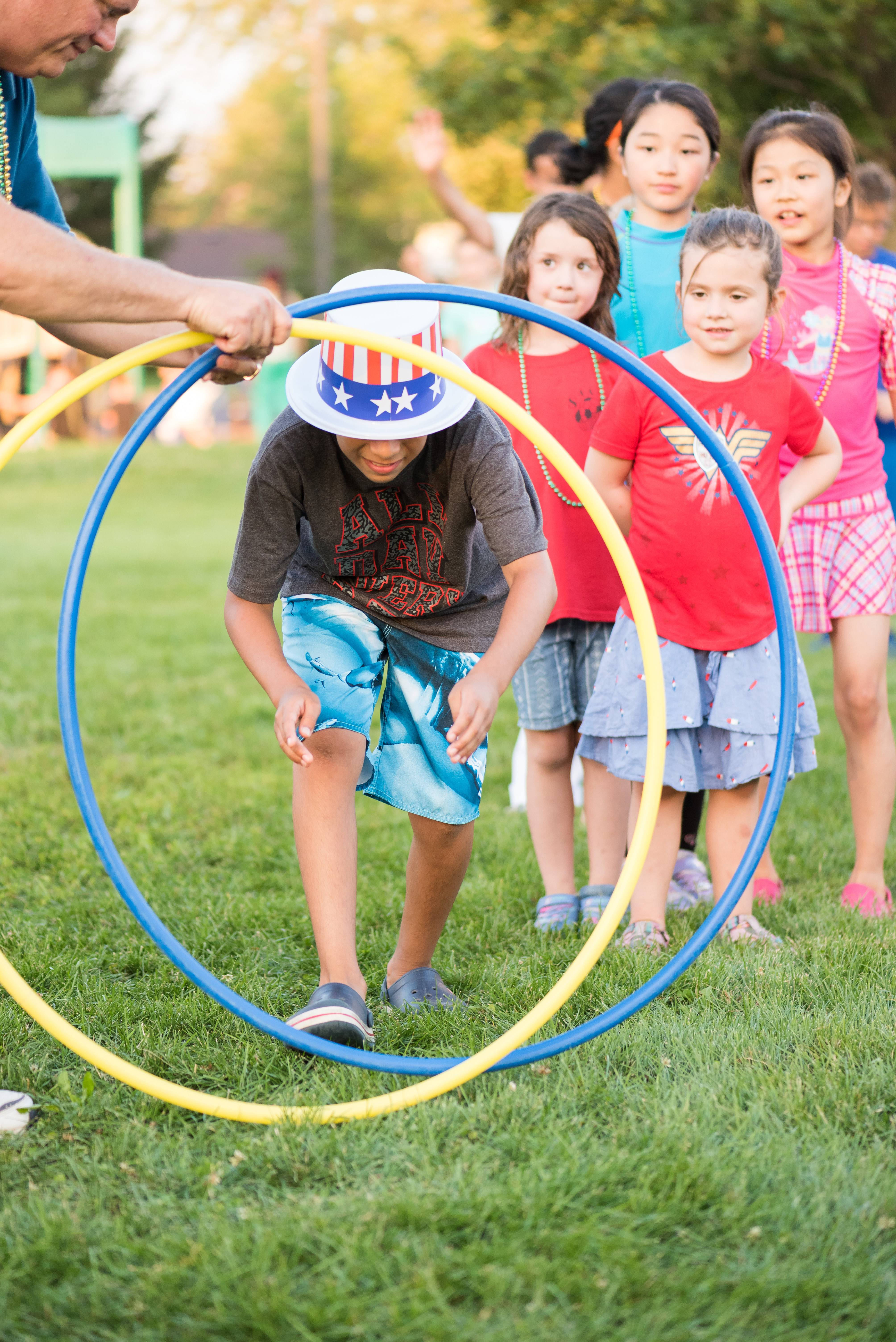 Schaumburg National Night Out events on Aug. 7 will feature games, contests, sidewalk chalk, a D.J. and open swim at Meineke Pool.