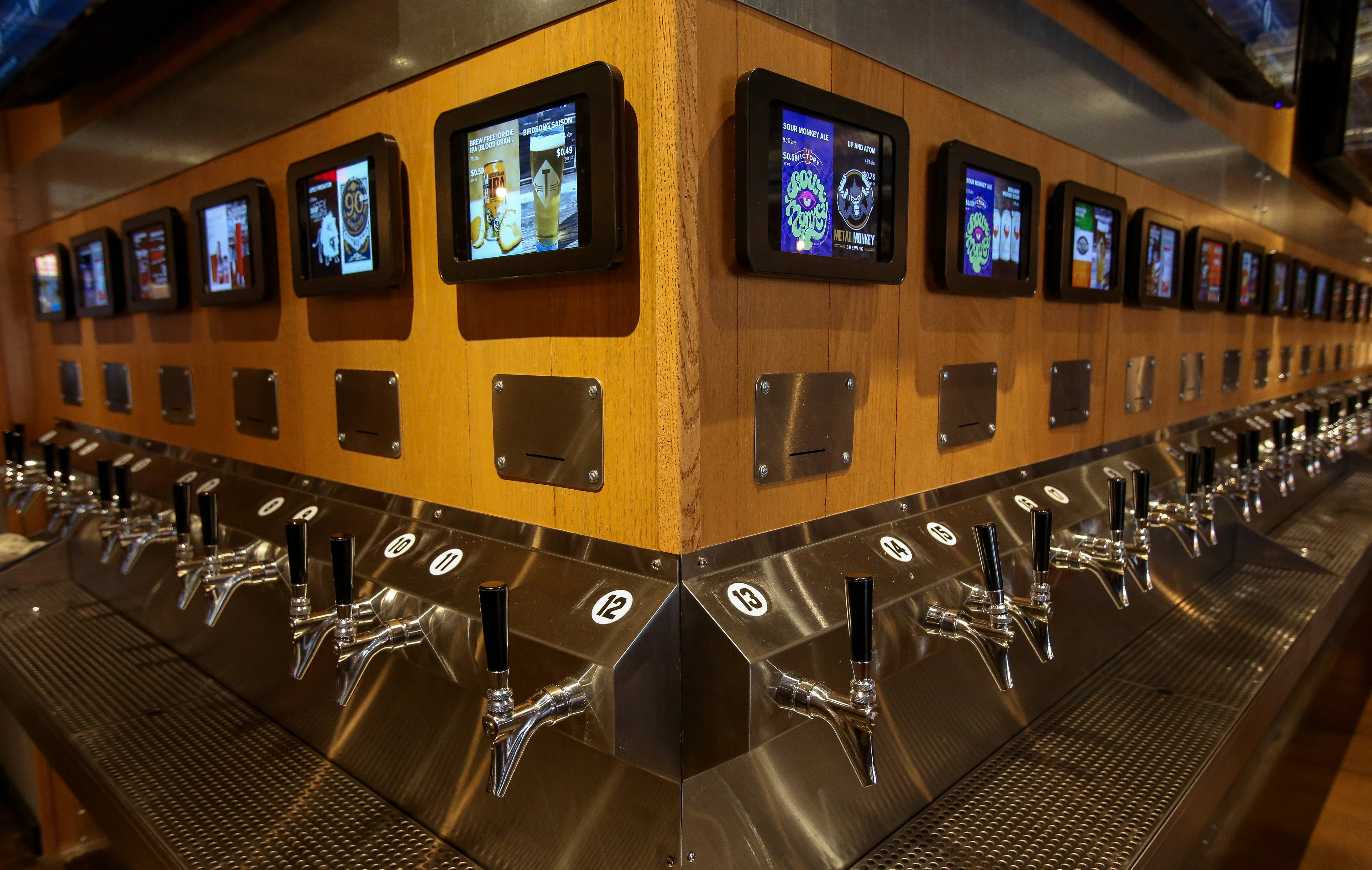 How new Naperville 'beer wall' helps diners 'embrace independence'