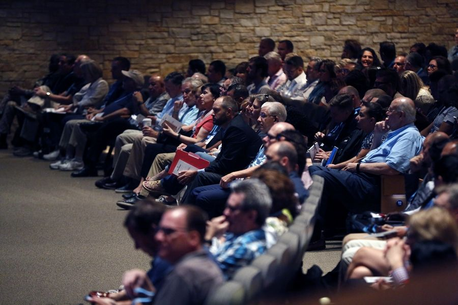 About 10,000 people are expected to attend Willow Creek Community Church's 23rd annual Global Leadership Summit on the main campus, with another 150,000 viewing remotely across the United States. Roughly 250,000 people in 135 other countries are projected to listen in 60 languages.
