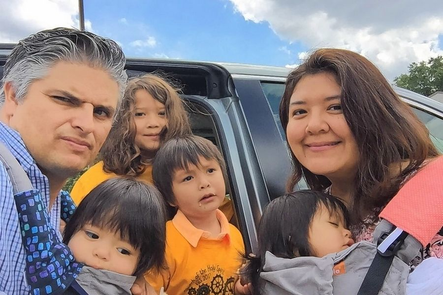 Amando and Alicia Chavez of Schaumburg with their four children in a photo posted with a GoFundMe campaign to raise money for the family after Amando was killed in a three-vehicle crash in Schaumburg Wednesday.