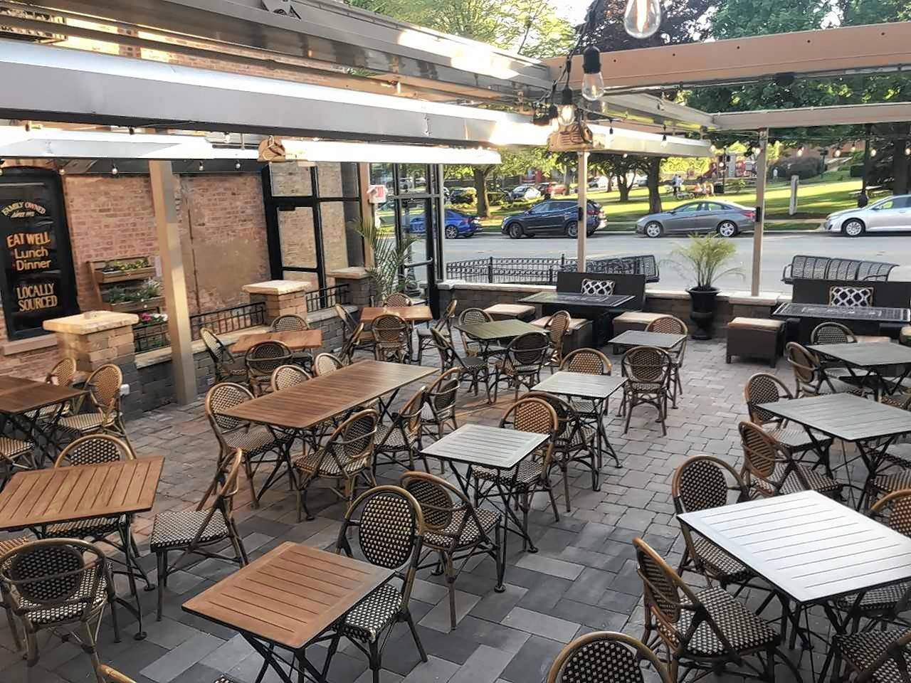 O'Toole's of Libertyville has opened its newly-enclosed, state-of-the-art four seasons patio that will be open year-round.