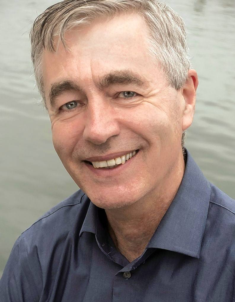 "Steve James, director of ""Hoop Dreams"" and the Oscar-nominated documentary ""Abacus: Small Enough to Jail,"" spent a year following students at Oak Park and River Forest High School for his Starz series ""America to Me."""