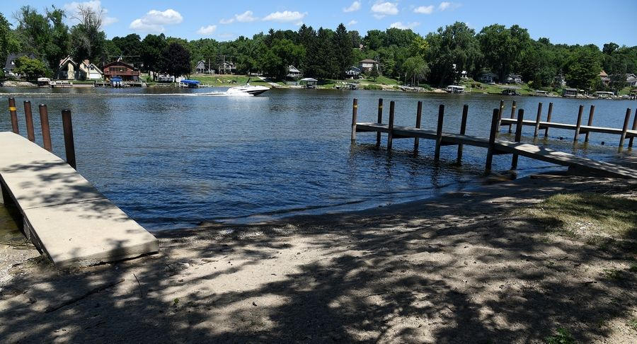 Improving docks and increasing access to the Fox River are among the recommendations included in a Fox River Corridor Plan for parts of McHenry and Lake counties.