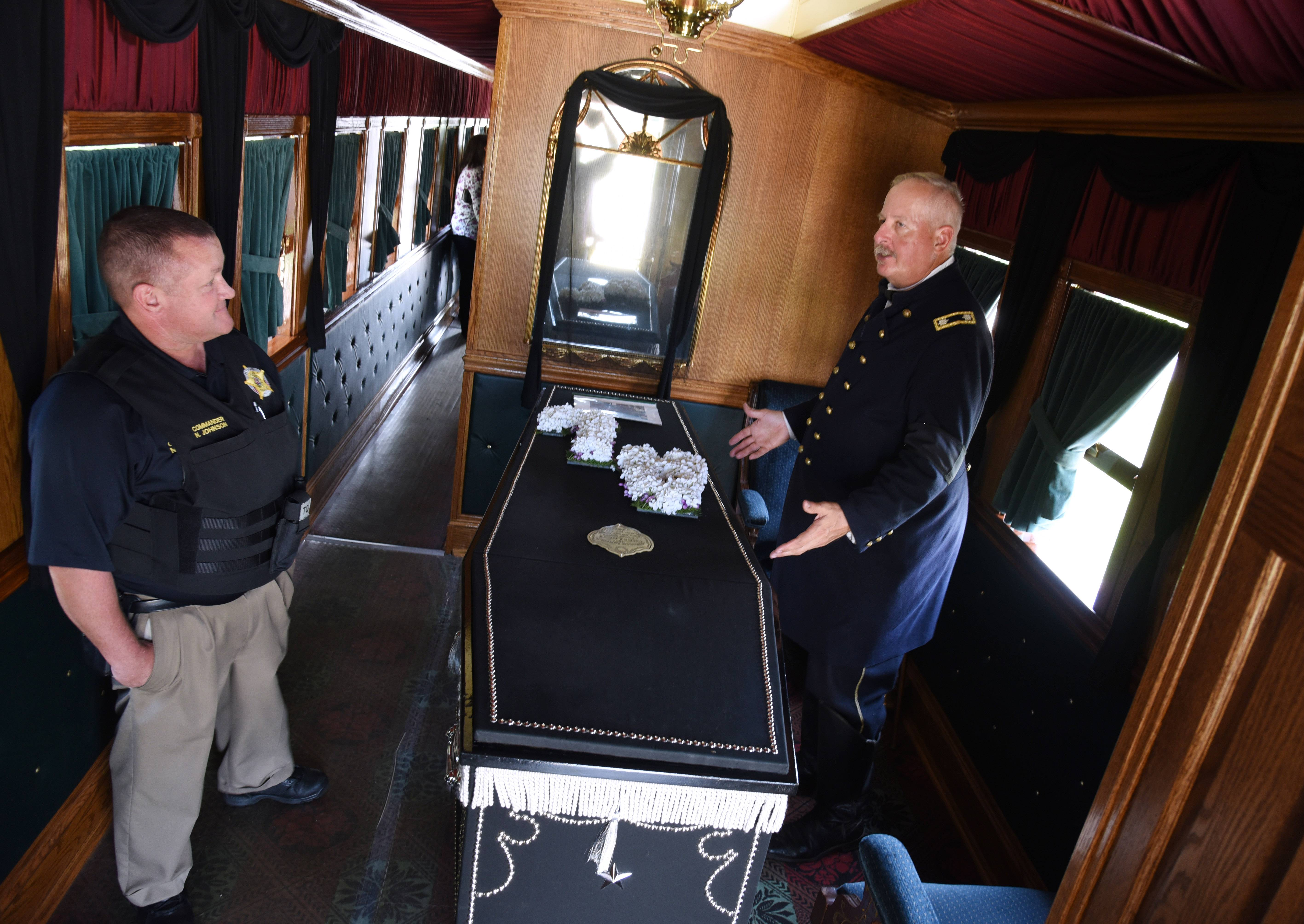Tour Replica Of Lincoln S Funeral Car In Antioch