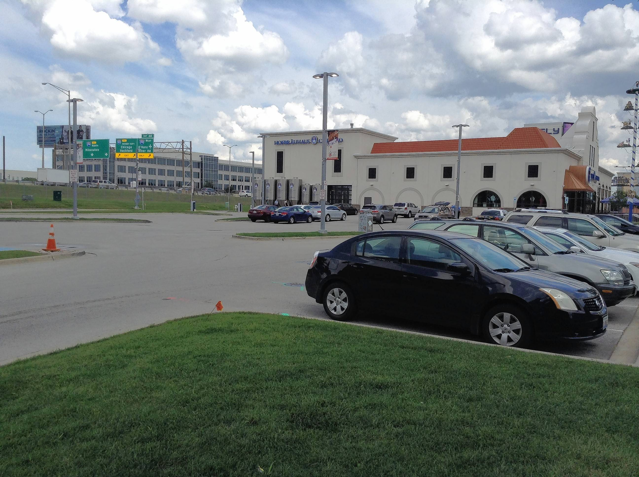 Rosemont adding more parking to entertainment complex