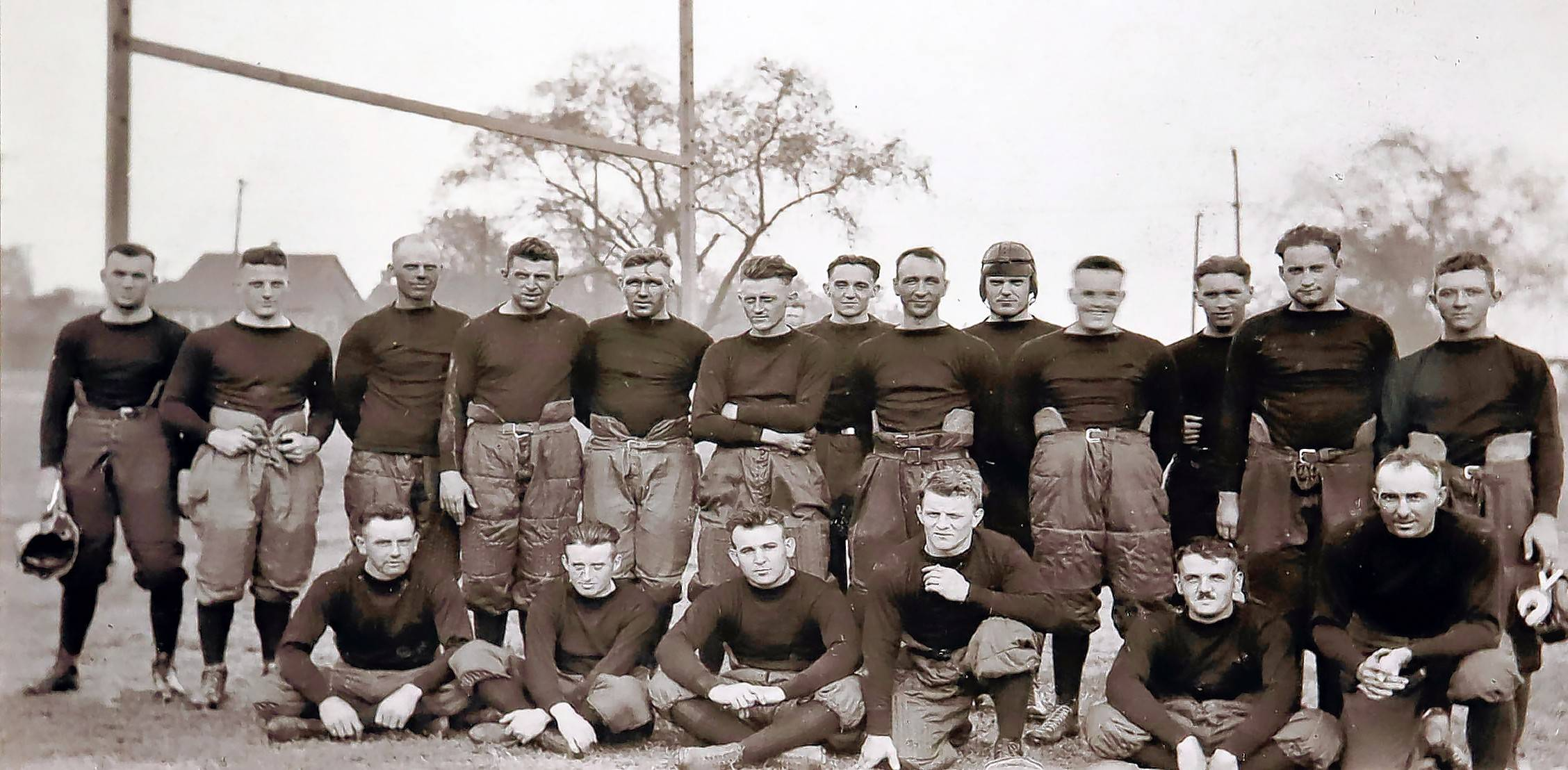 A team photo of the original Decatur Staleys.