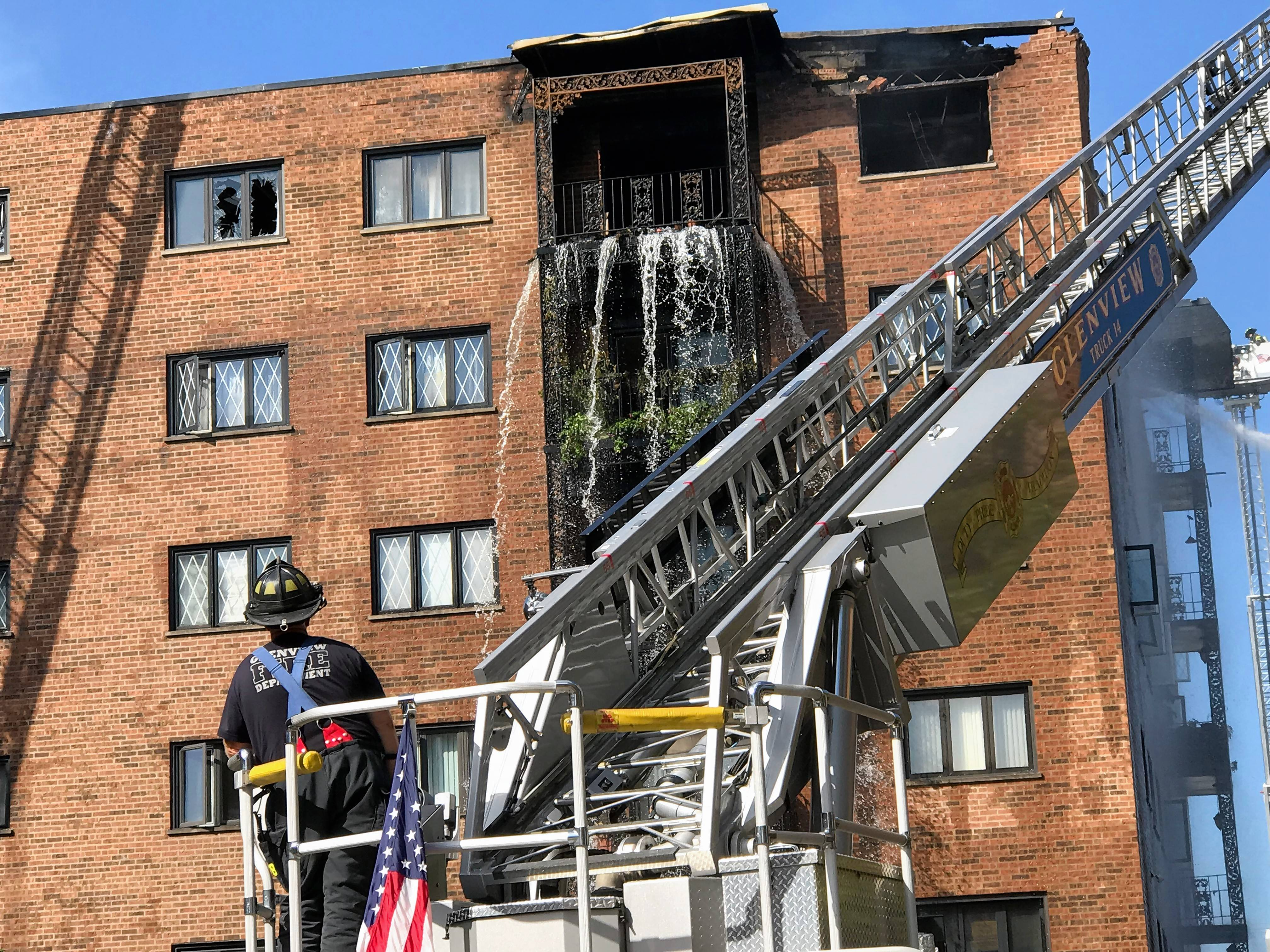 One killed, several injured in Des Plaines-area condo fire