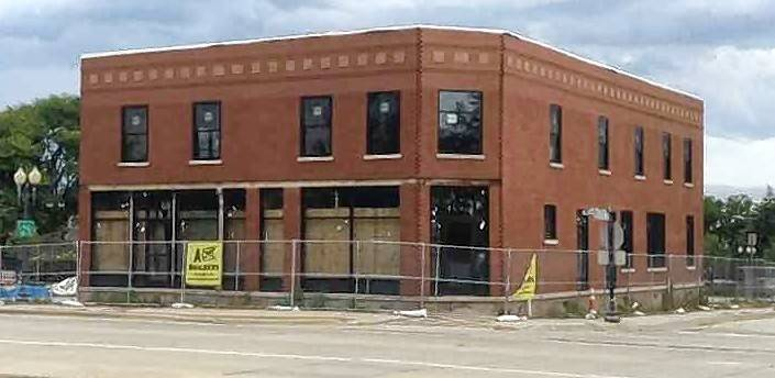 A Chinese restaurant named Phat Phat will be the tenant of the renovated, century-old building that previously housed the Easy Street Pub in Schaumburg's Olde Schaumburg Centre historic district, near Town Square.