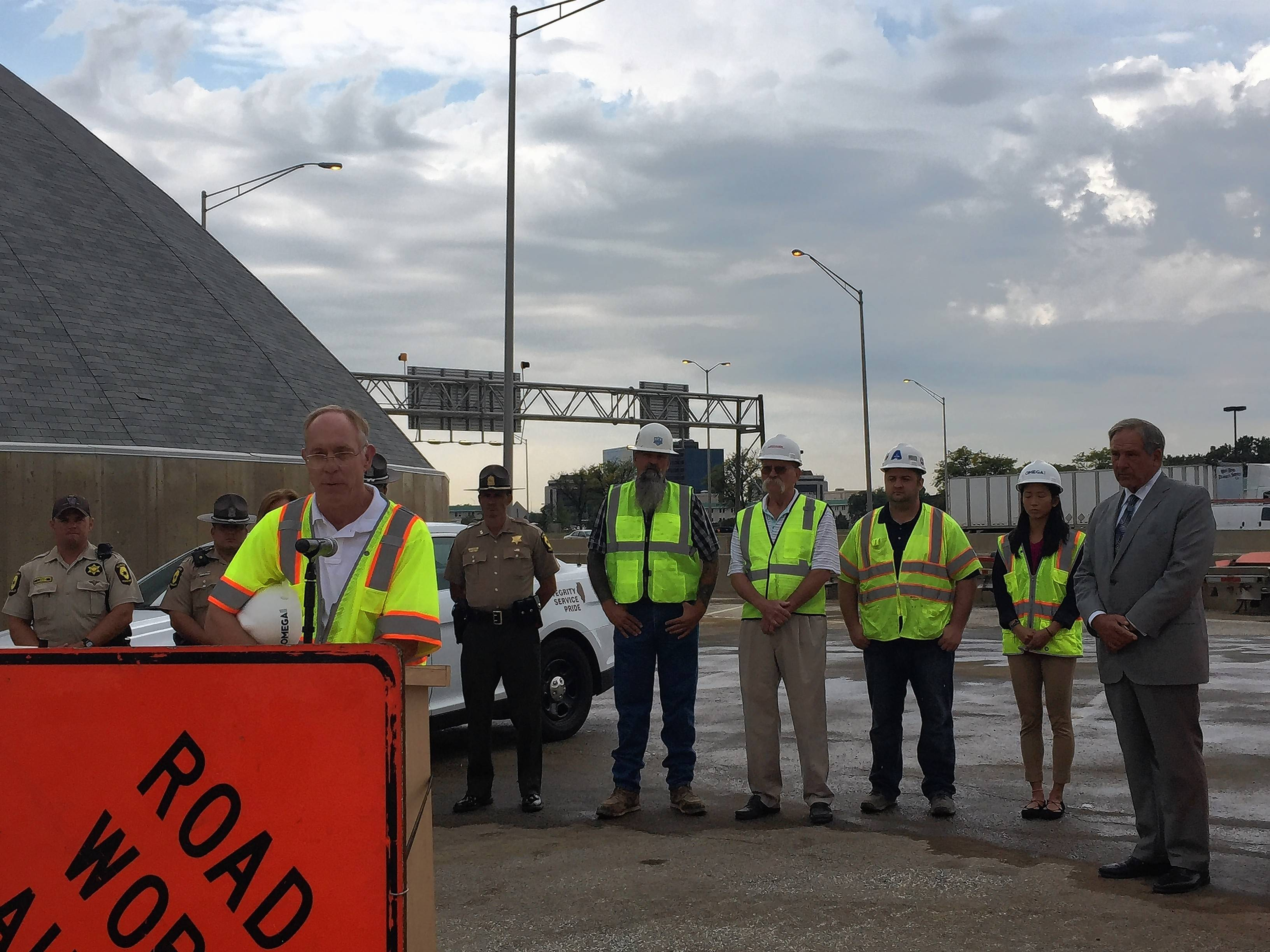 After worker's death, tollway urges drivers to report construction-zone speeders