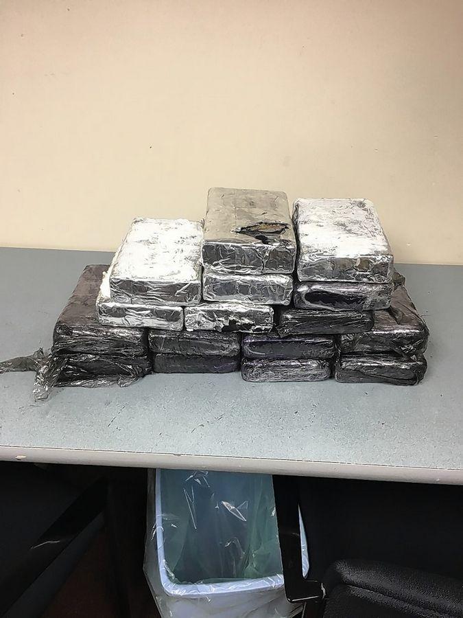 Authorities nab 2 Carpentersville men, 16 kilos of cocaine