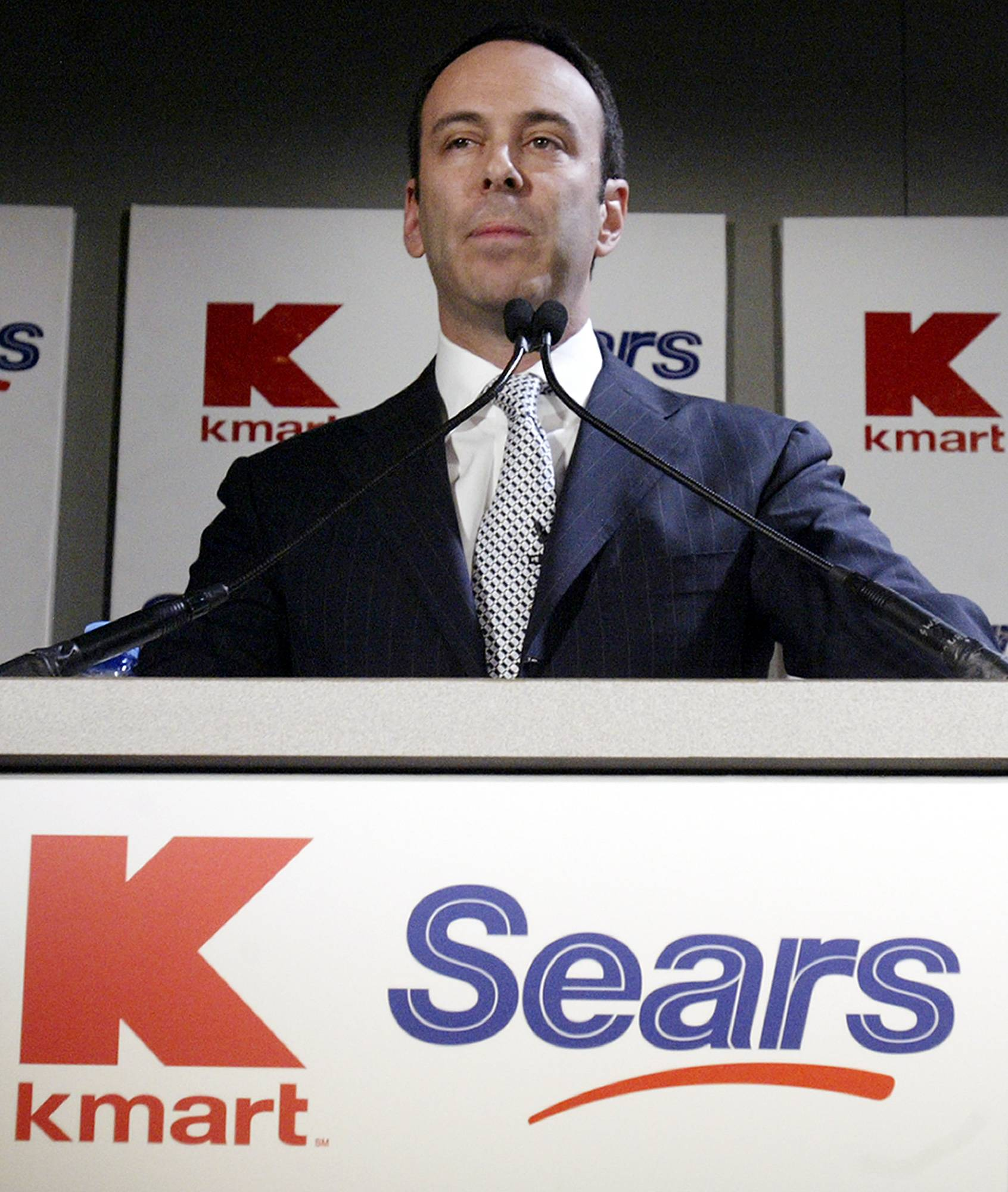 The hedge fund owned by Sears Holdings Corp. CEO Eddie Lampert is urging the retailer's board to sell more of its real estate and restructure its debt, as it seeks to avoid bankruptcy.