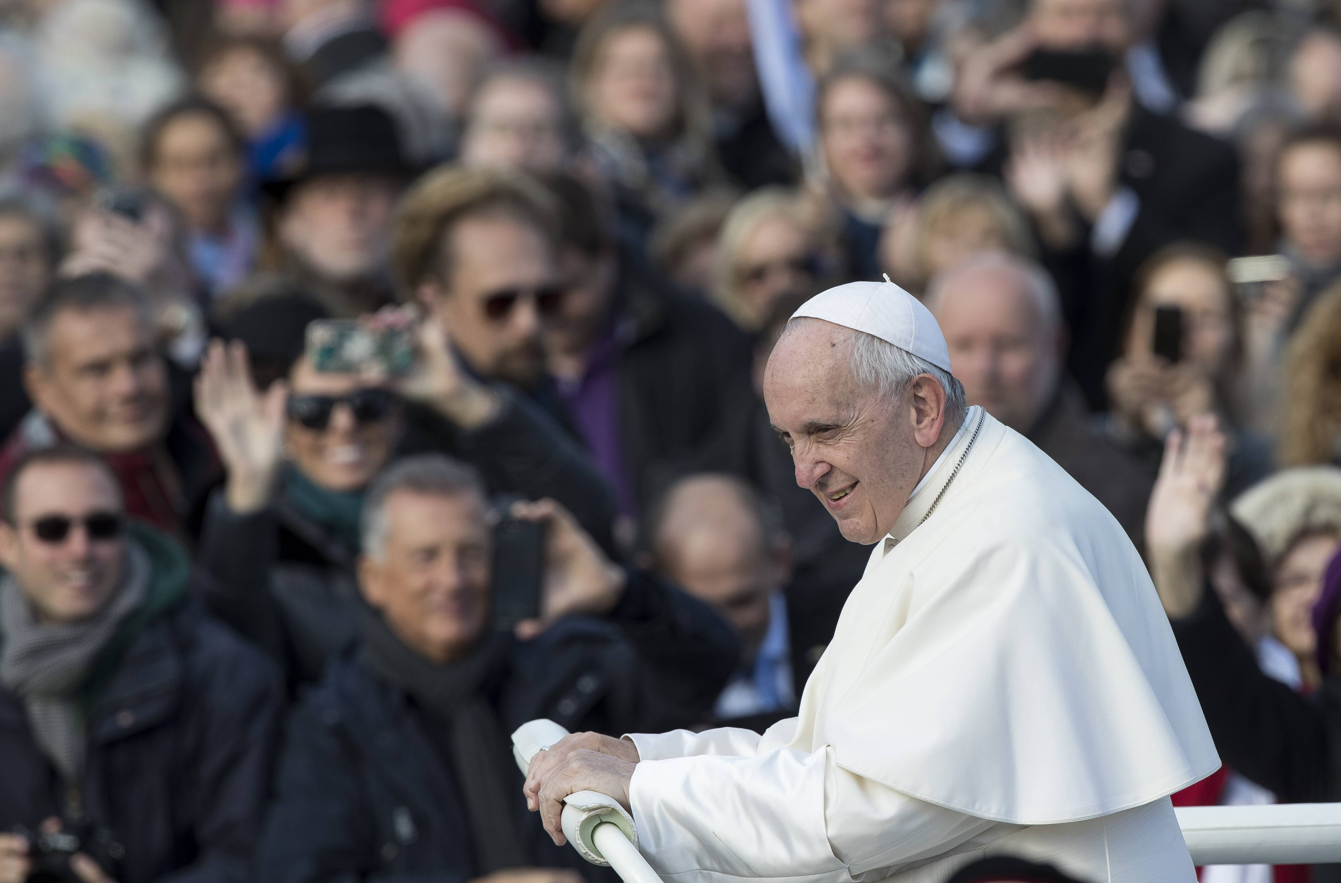 Pope Francis arrives to celebrate a Mass in Freedom Square, in Tallinn, Estonia, Tuesday, Sept. 25, 2018. Pope Francis concludes his four-day tour of the Baltics visiting Estonia.