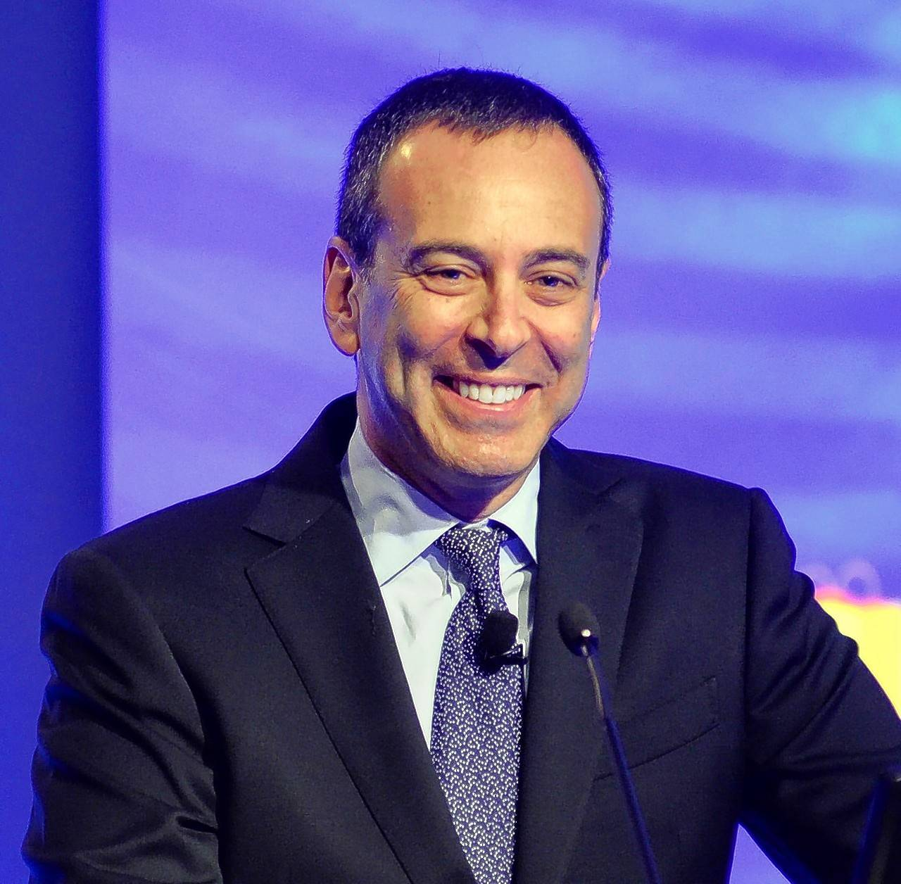 Eddie Lampert's plan to save Sears would hand his hedge fund $1 billion