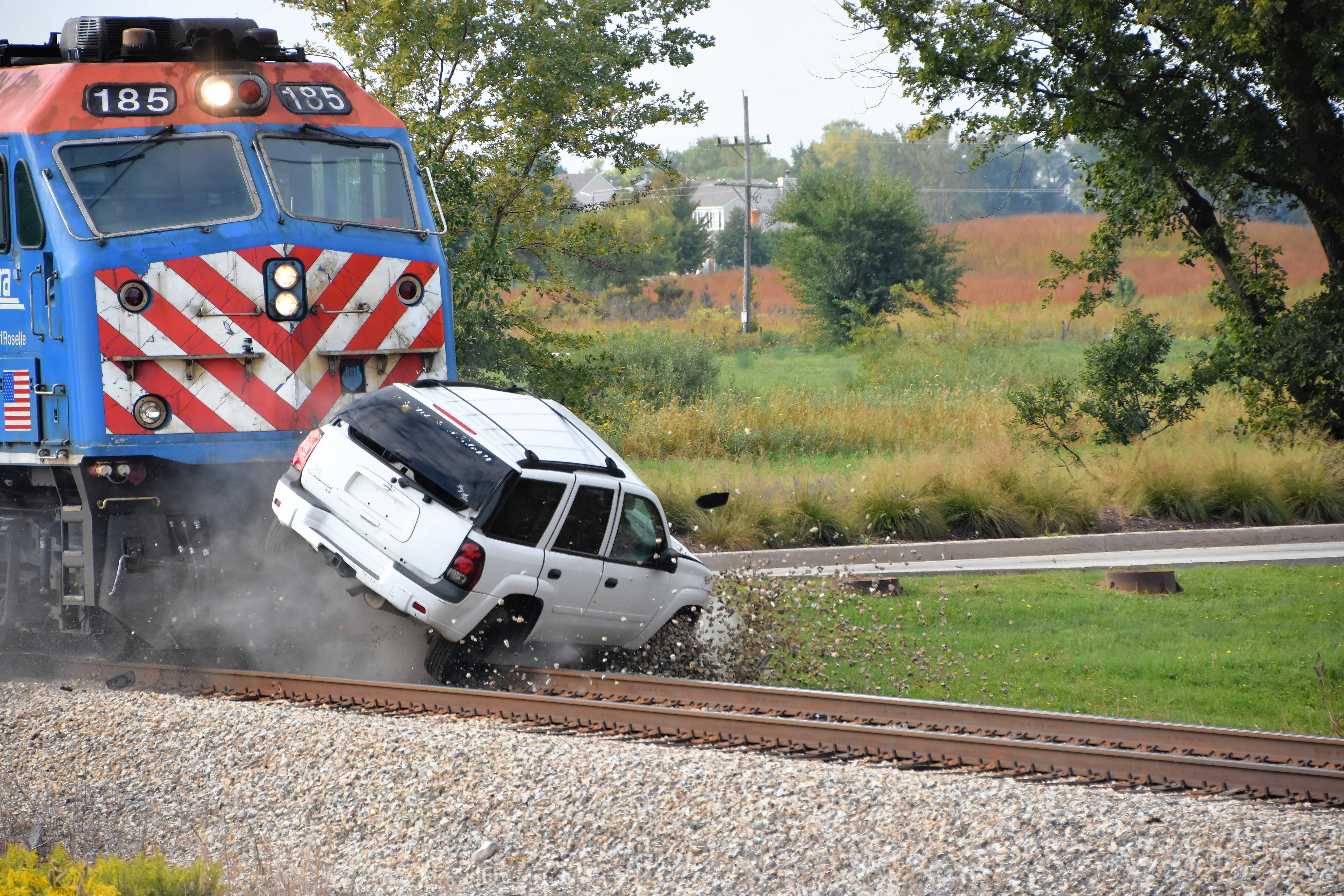 Goodbye, SUV: Metra video of staged crash shows why trains always win