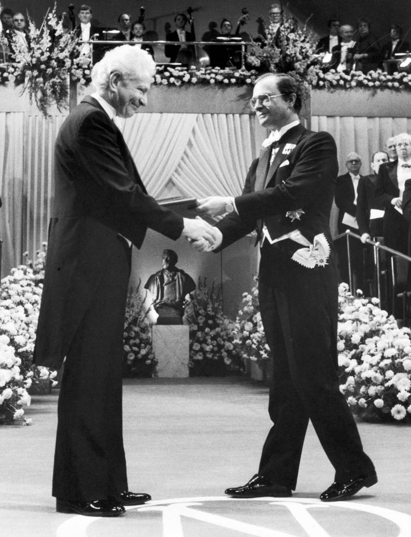 Leon Lederman accepts his Nobel Prize on Feb. 1, 1989.