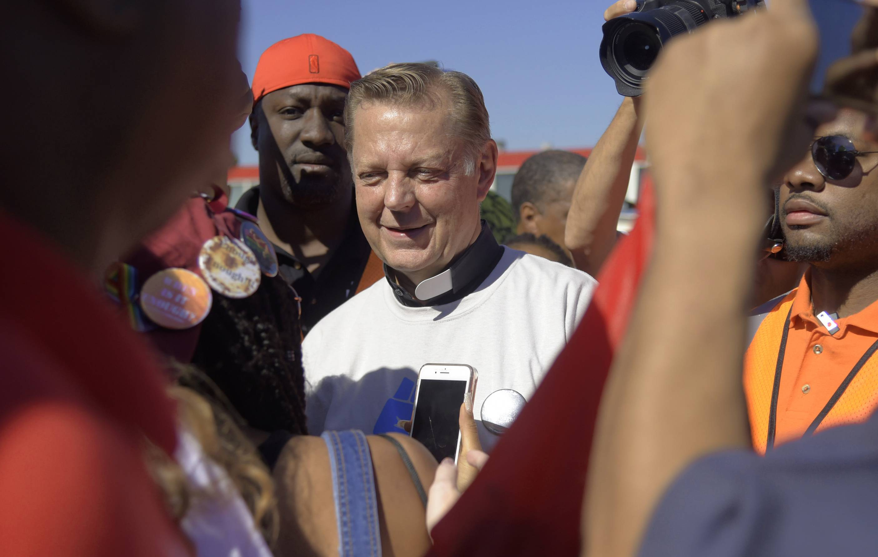 Rev. Michael Pfleger to speak at First UMC in Arlington Heights