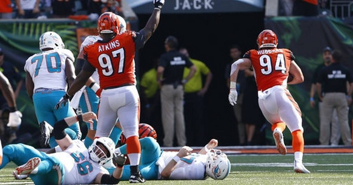 d9a4266d164 Bengals score 27 straight points for 27-17 win over Dolphins