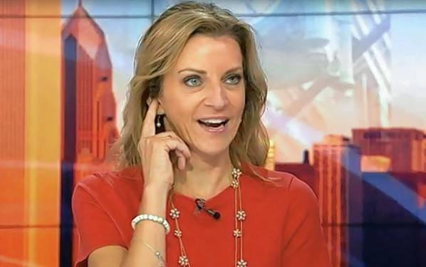 Kathy Hart, the former Chicago radio morning star who's been a free agent since her highly publicized breakup with Eric Ferguson, is getting a shot as a talk show host on WGN 720-AM.