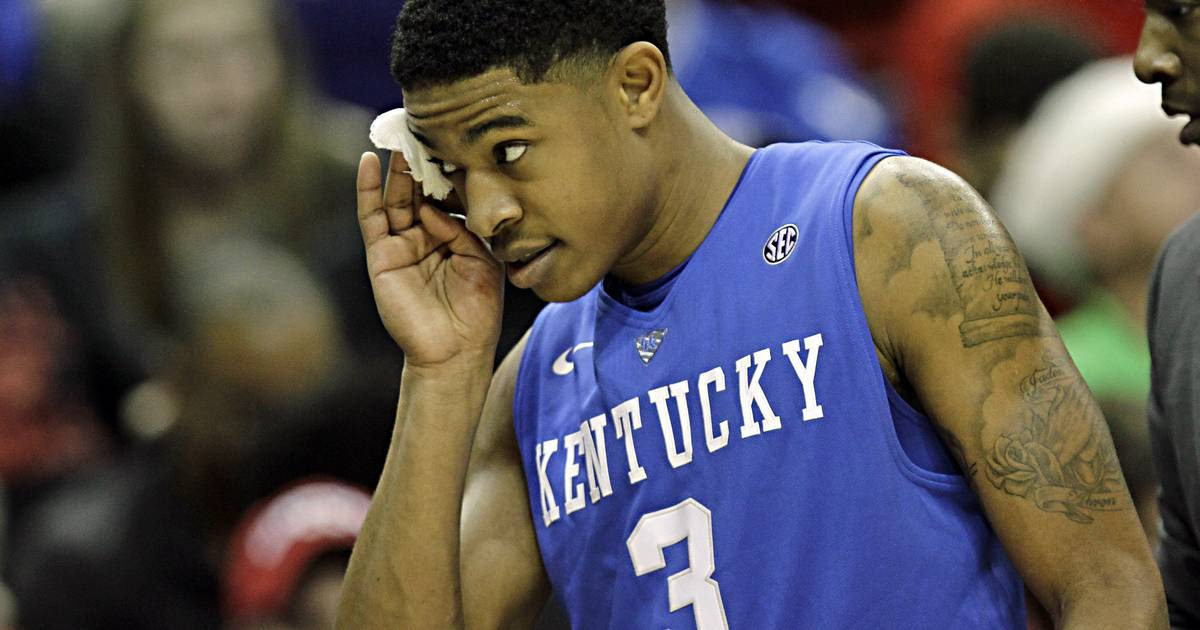 Chicago Bulls claim point guard Tyler Ulis off waivers