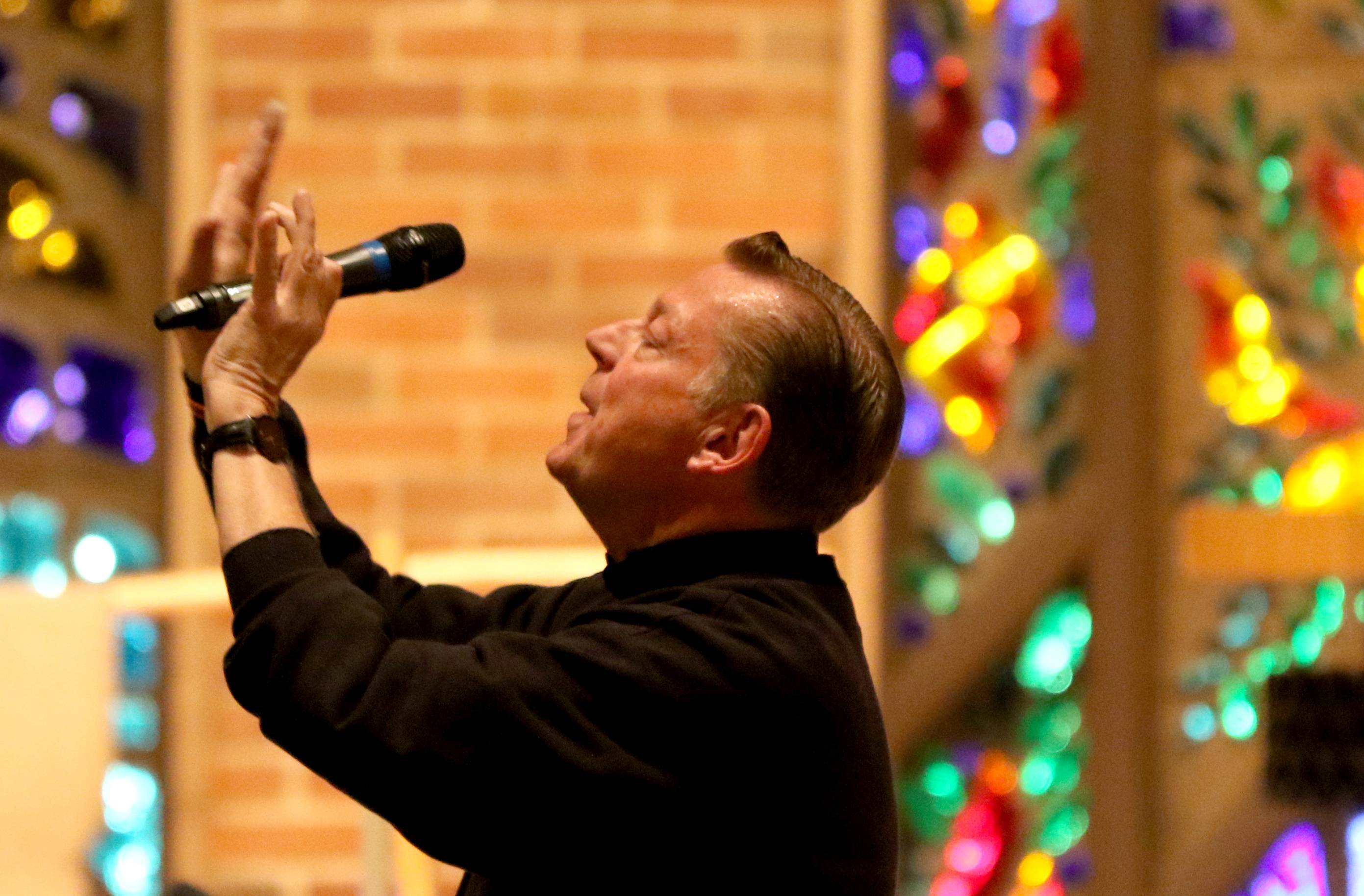 "The Rev. Michael Pfleger said at First United Methodist Church in Arlington Heights on Thursday night that many believers and the clergy have ""spiritual laryngitis"" and are afraid to discuss politics or anything controversial."