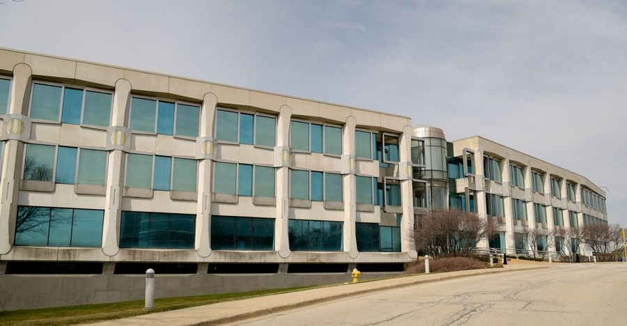 The tollway may add a new building for I-PASS customers to its Downers Grove campus.