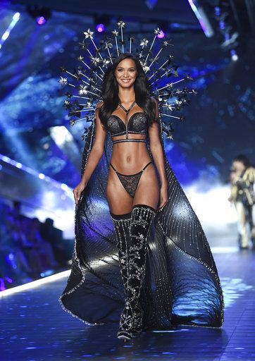 Model Lais Ribeiro walks the runway during the 2018 Victoria's Secret Fashion Show at Pier 94 on Thursday, Nov. 8, 2018, in New York. (Photo by Evan Agostini/Invision/AP)