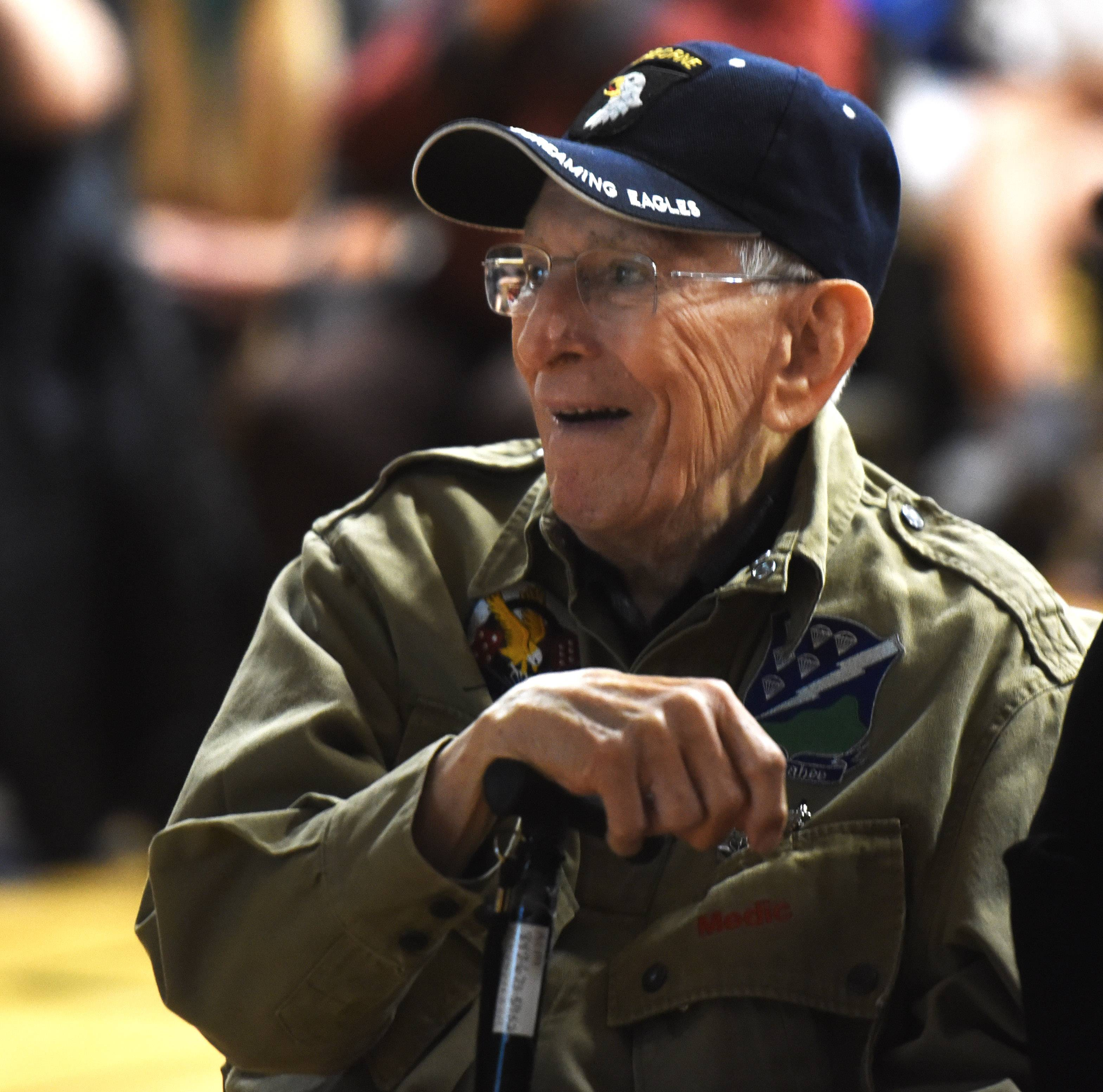 Elk Grove High School recognizes heroes at Veterans Day assembly