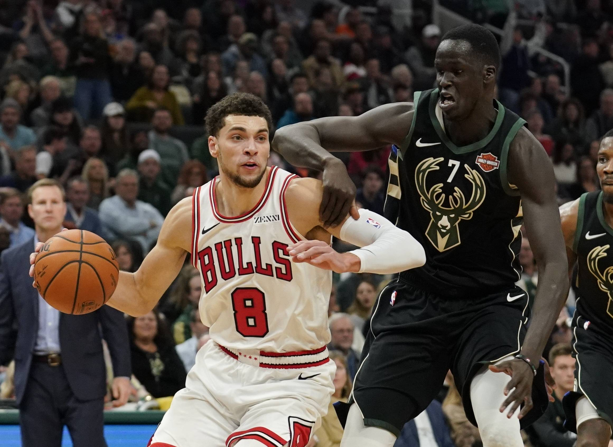 With Zach LaVine, left, out with an illness on Saturday, the Bulls dusted off Cameron Payne and put him back in the starting lineup with Ryan Arcidiacono.
