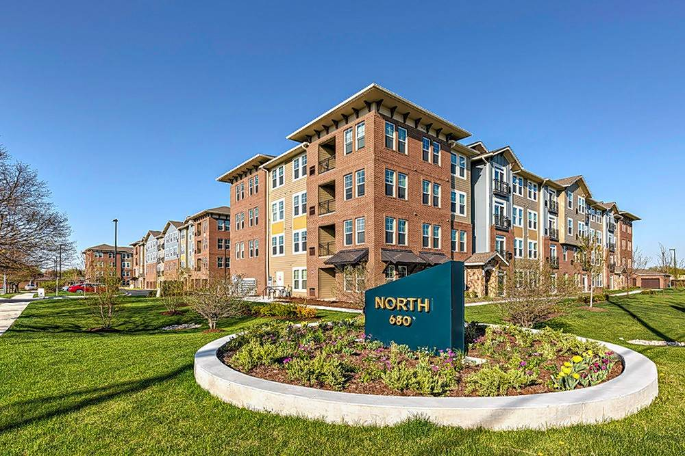 Chicago-based real estate firm Draper and Kramer announced it has acquired North 680, a 180-unit luxury rental community in Schaumburg for an undisclosed sum.