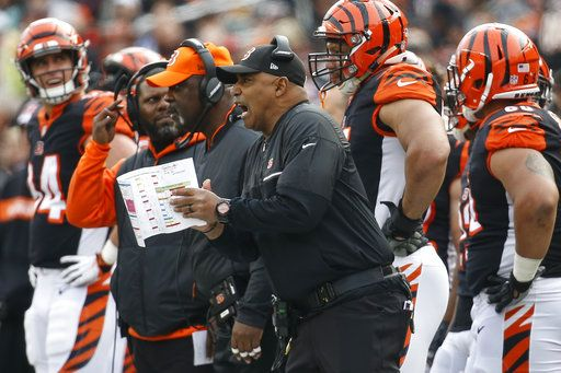 9e1446a6b Bengals drubbed by Browns 35-20 as free fall continues
