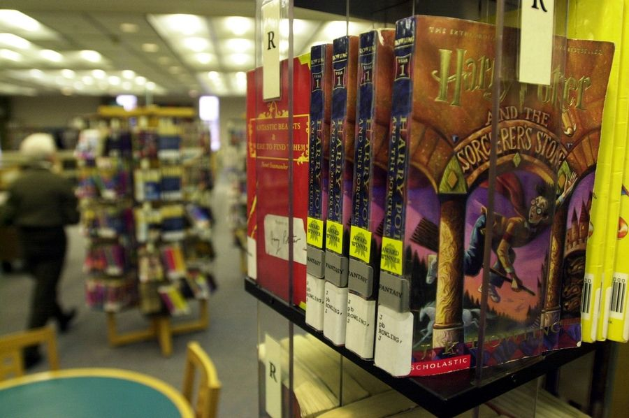 Arlington Heights library waives fees for thousands