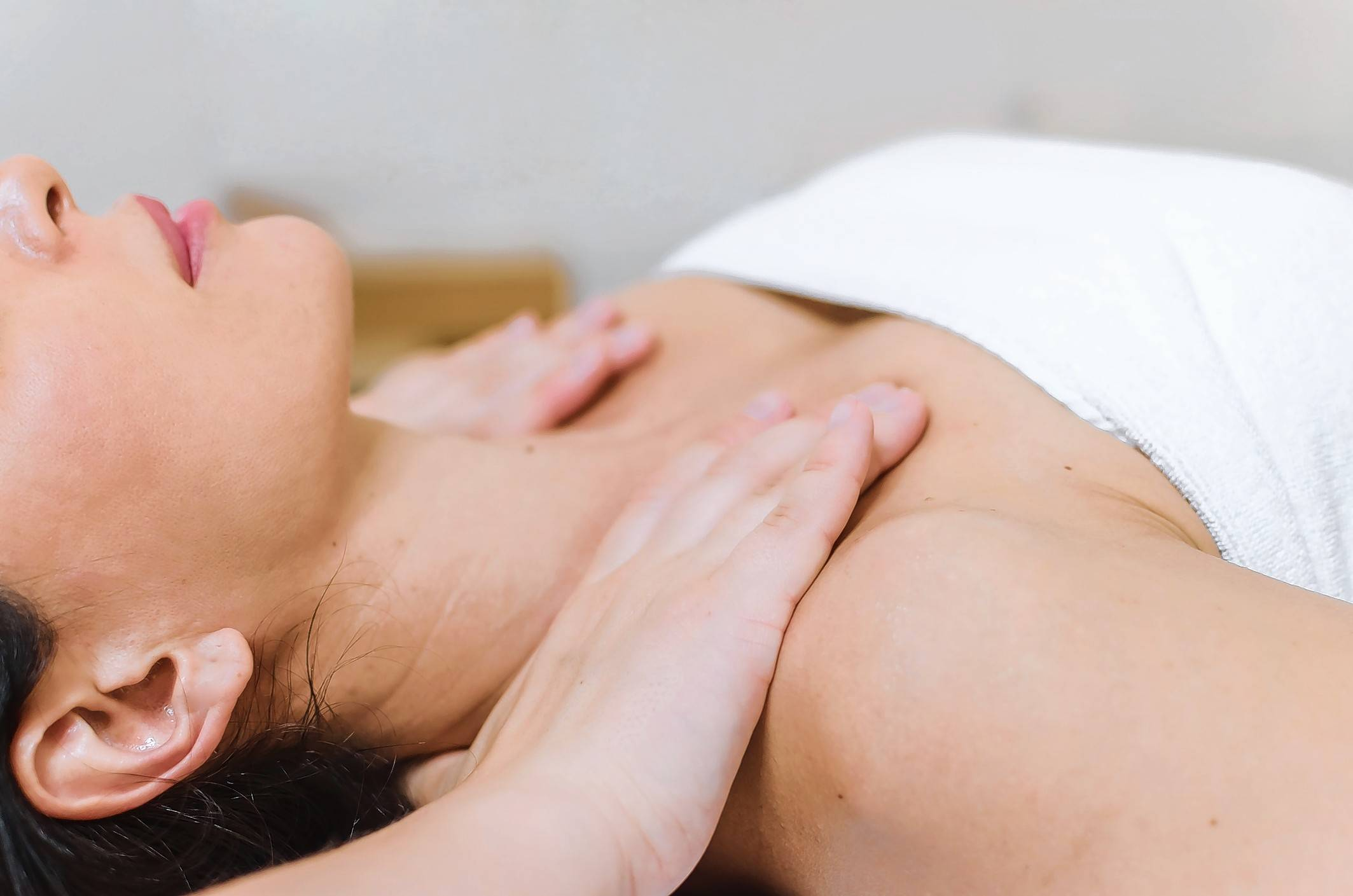 Thinkstock photoA recent study found that myofascial massage focusing on the area of tenderness and disability was able to decrease pain levels and increase mobility after breast cancer surgery.