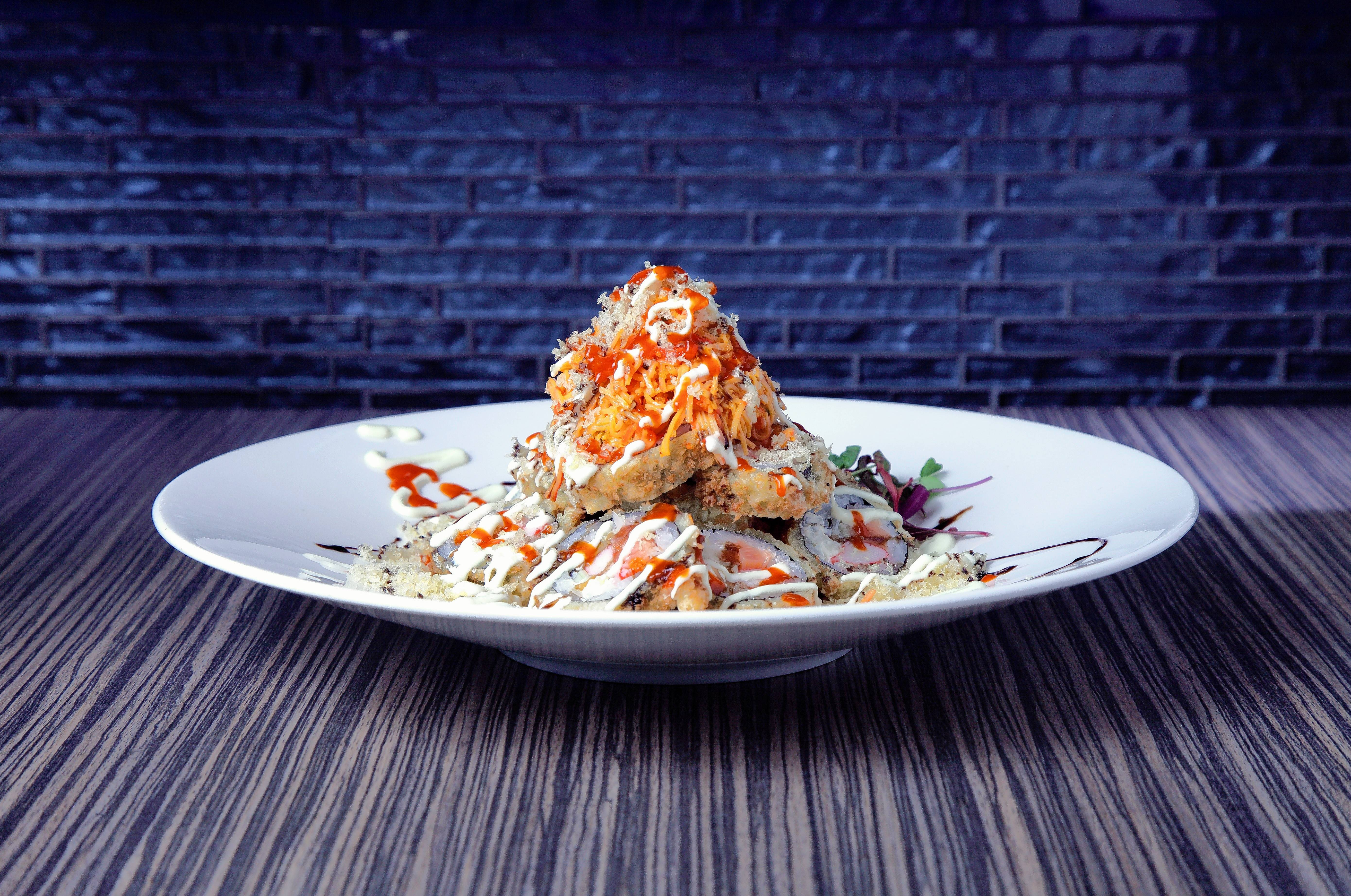 The Volcano maki does have wasabi mayo, sriracha and spicy crab, but Shakou doesn't label it as spicy. Do you dare?