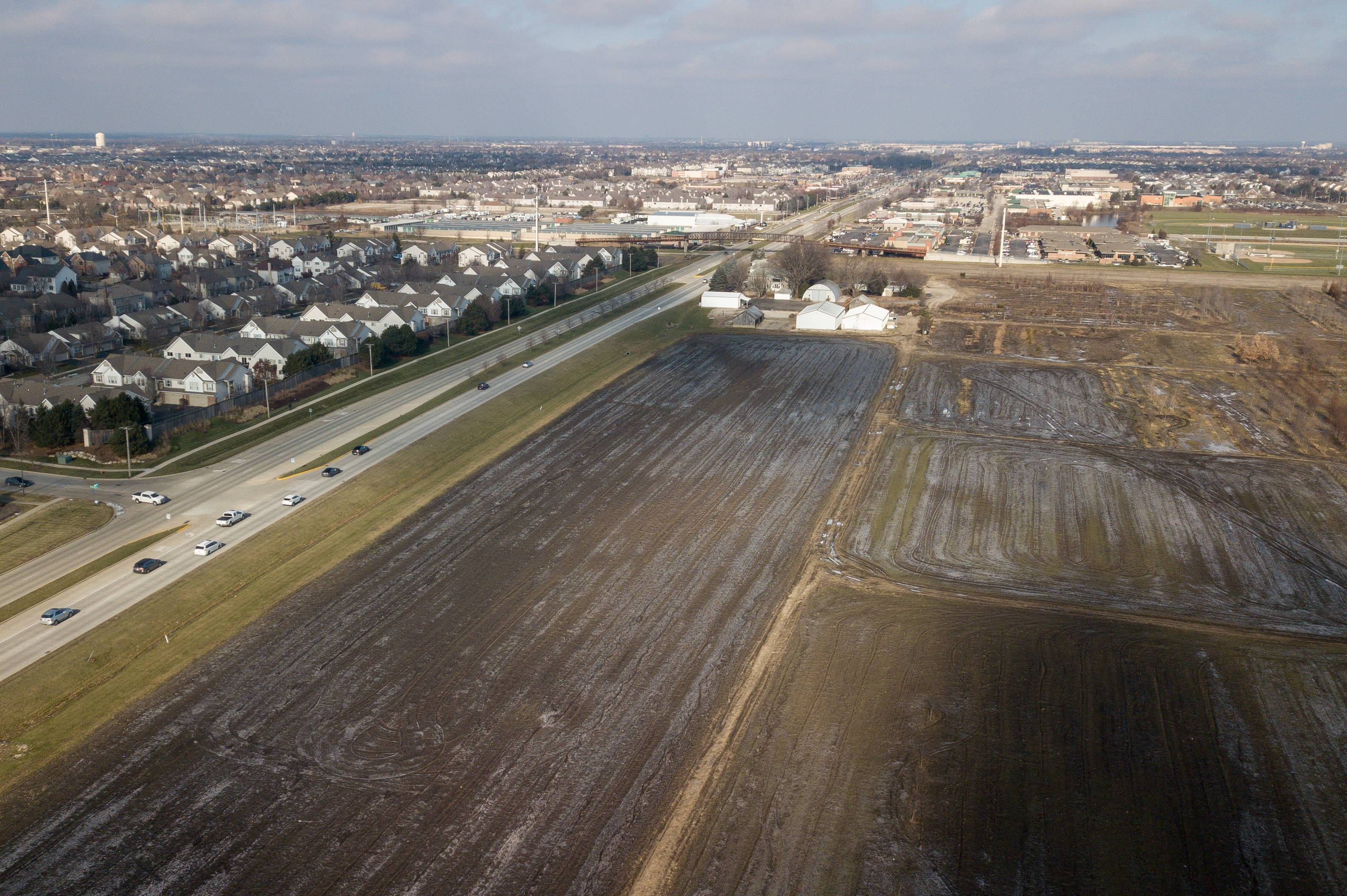 312 houses for one of Naperville's final farms gain early approval