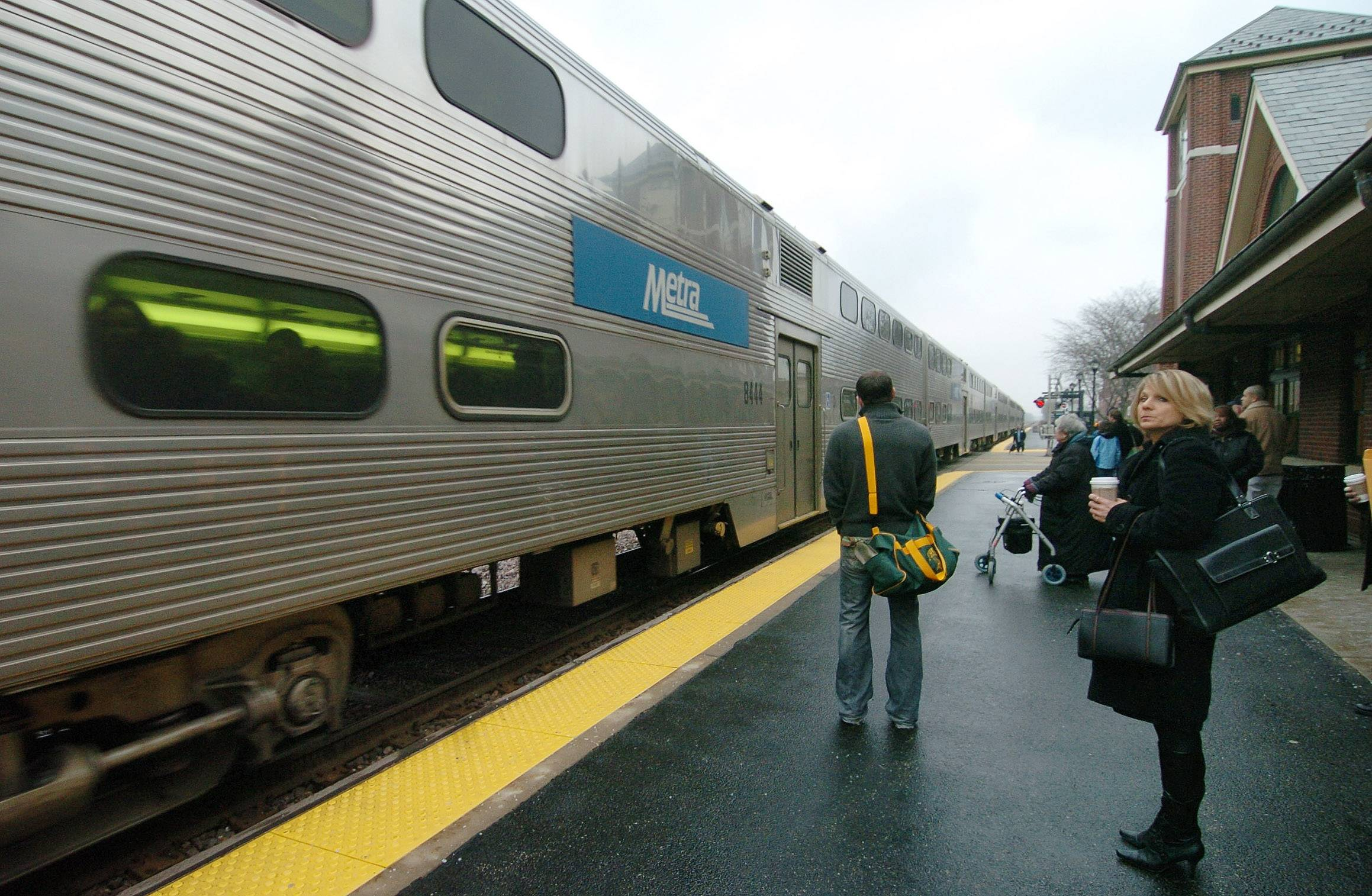 Metra aims to upgrade messaging on train arrivals and delays