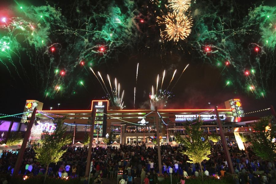 4th Of July Events Near Me 2020.Rosemont Inks Fireworks Deal For 2019 2020