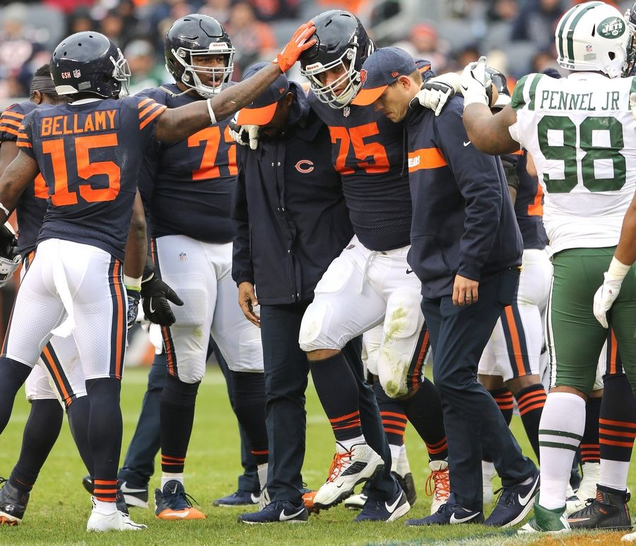 d1f41c855a4 Chicago Bears guard Kyle Long returned to practice Friday for the first  time since he was