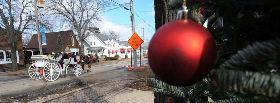 Decorations and horse-drawn carriage rides drew visitors to Long Grove Vintage Holidays Sunday.