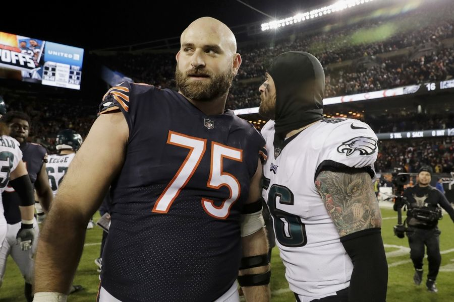 Rozner: Bears' Kyle Long survives to fight again