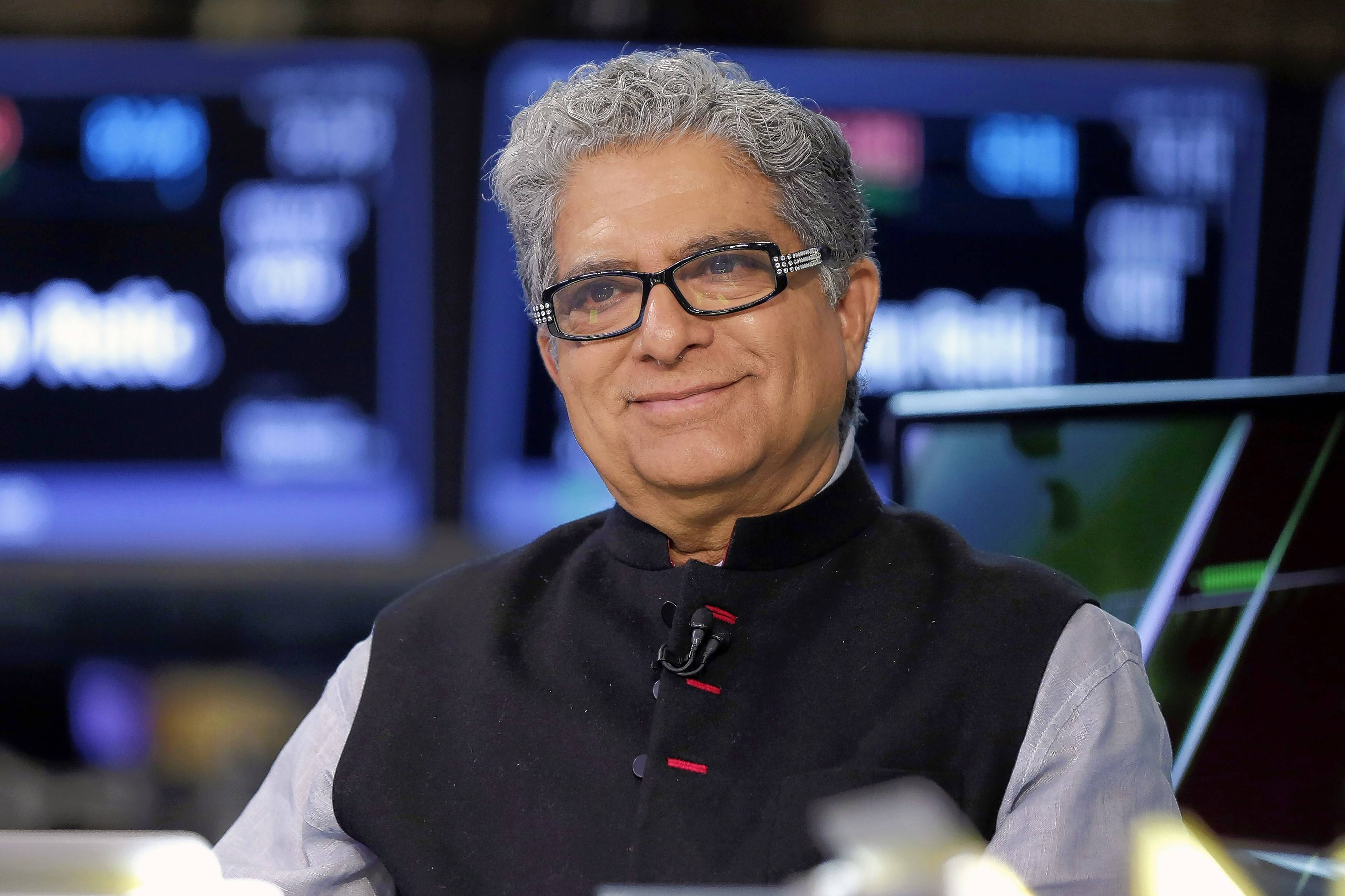 Deepak Chopra, a physician and celebrity wellness adviser, is known for promoting the benefits of meditation -- clearing the distractions that clutter the mind. Now he's become a gadget guy, embracing the industry many think is making us less healthy and less happy.