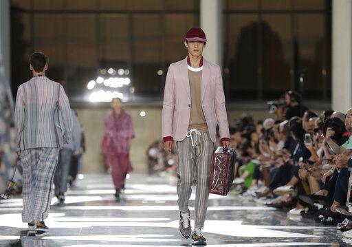 12d6cc4a13f Versace offers daring masculinity  Dolce Gabbana go elegant