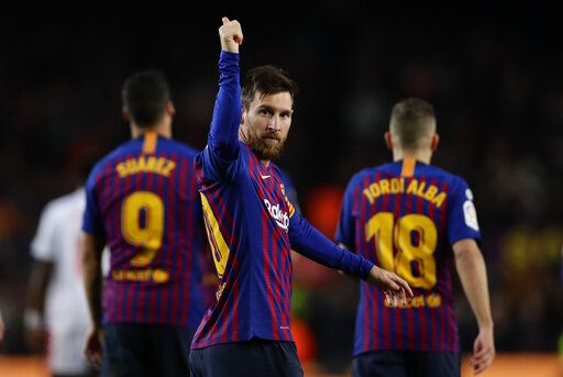 8739a5c380e Messi scores record 400th goal in Spanish league