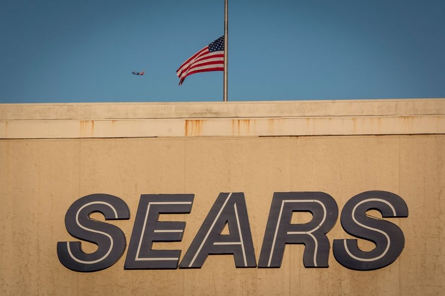 e6bccc6aeec Eddie Lampert won a bankruptcy auction for Sears with a plan that will keep  the bankrupt