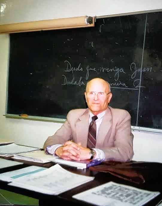 Known as a disciplinarian and a gentleman who dressed the part, Alfred Samper of Wheaton was a longtime Spanish teacher at Wheaton Community High School. He died Saturday at age 95.