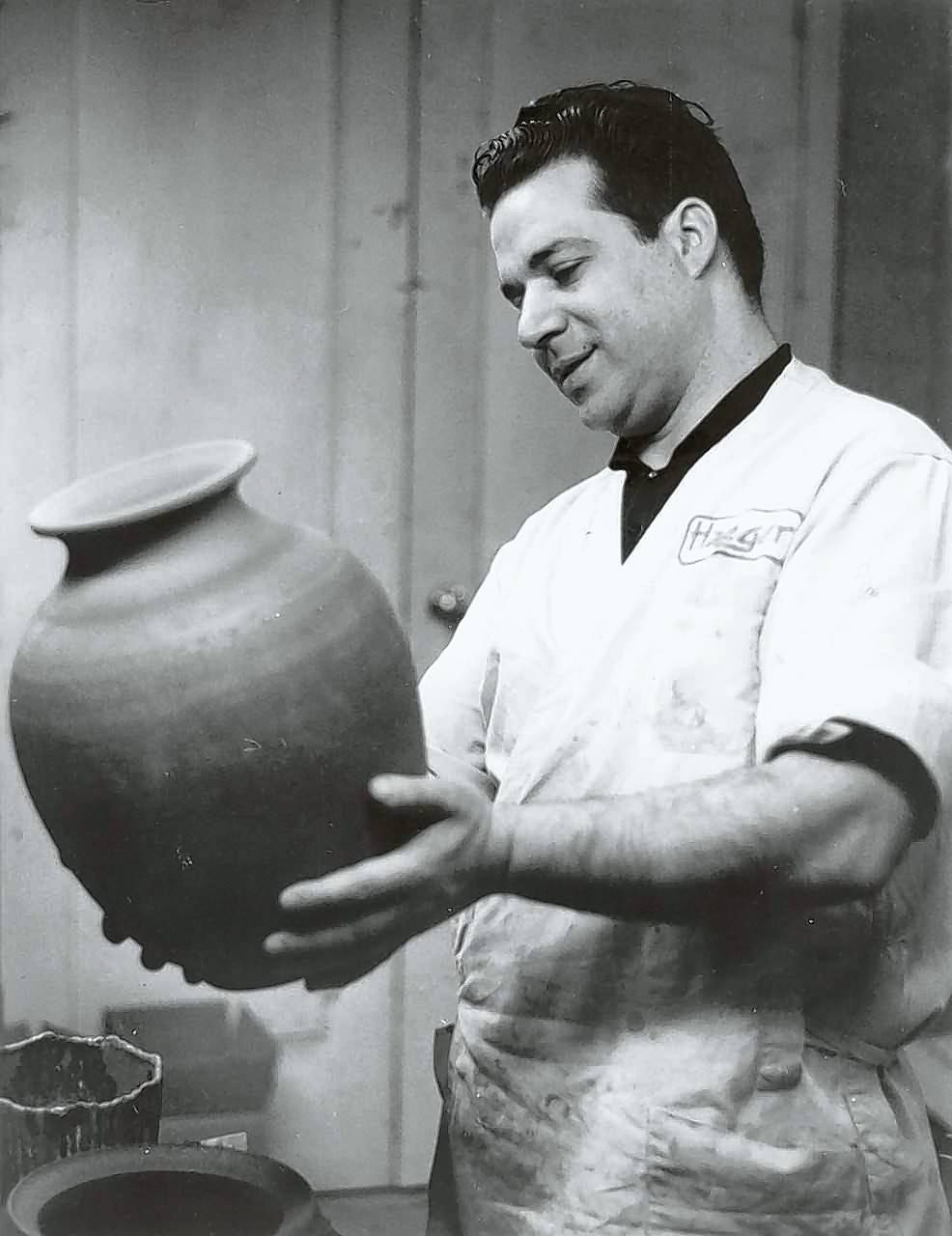 A master potter for Haeger Potteries in East Dundee for 32 years, Sebastiano Maglio was a showman. He did exhibitions at the Haeger store, at trade shows, at universities and at large events, making ceramics ranging from bowls and vases to whistles for the kids.