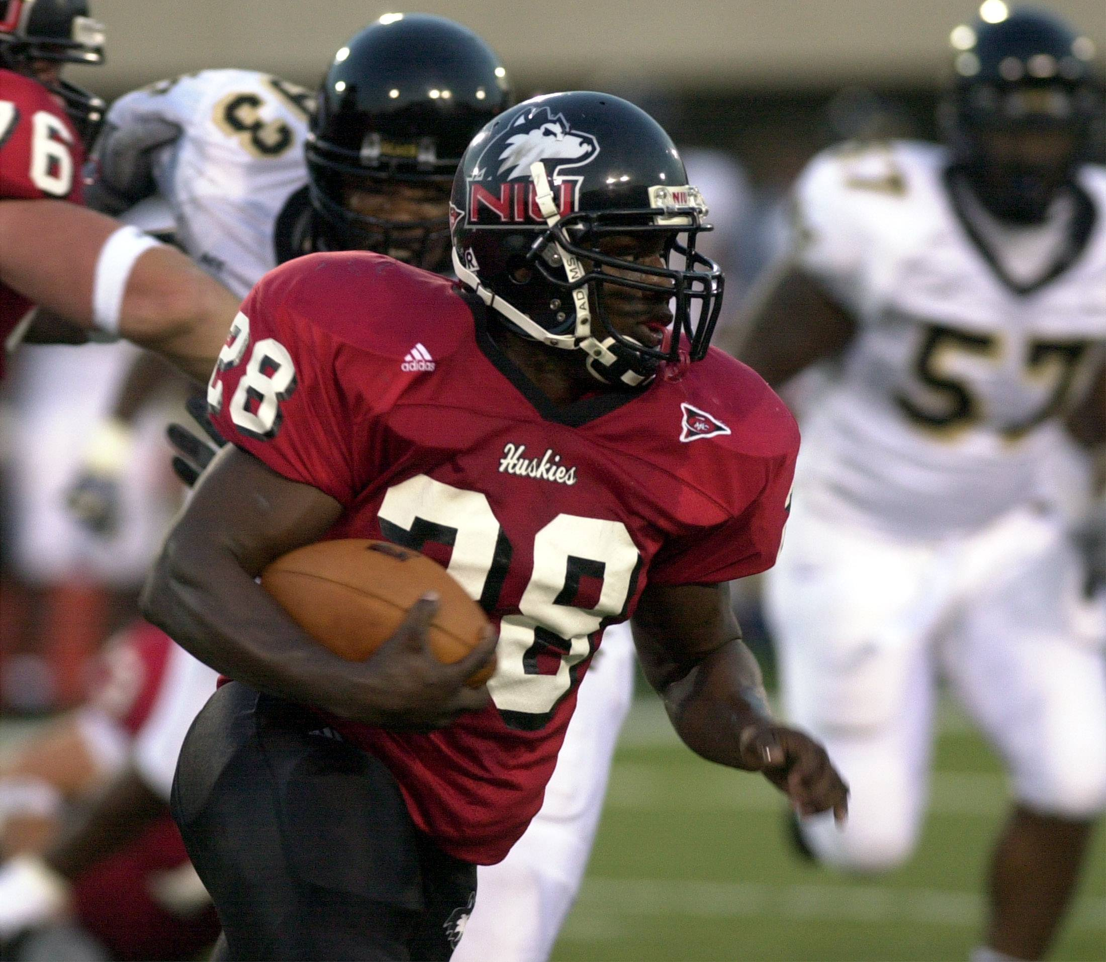 Former Northern Illinois running back Thomas Hammock, shown here against Wake Forest in 2002, is taking over at his alma mater after spending 16 seasons as a college and NFL assistant.