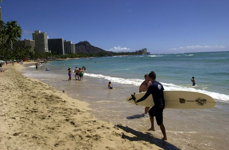 The sands of Waikiki Beach offer detox opportunities.