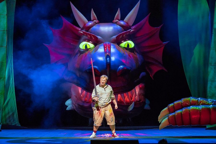 "The dragon Fafner sneaks up on the title hero of ""Siegfried"" (Burkhard Fritz) in director David Pountney's 2018 Lyric Opera of Chicago production. Wagner's four-opera epic ""Der Ring des Nibelungen"" receives three full cycles in April 2020."